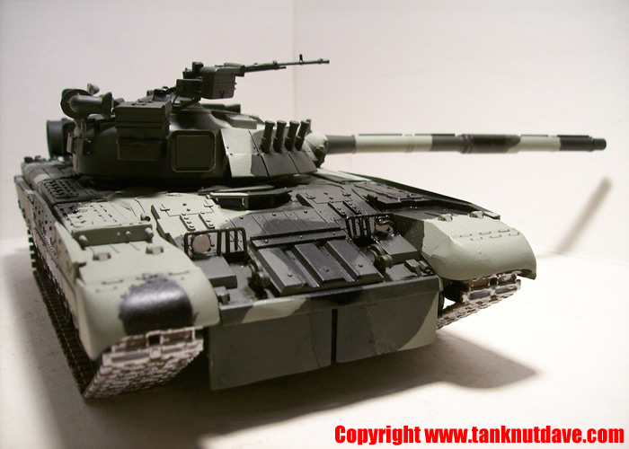 Revell T-80 UD model tank