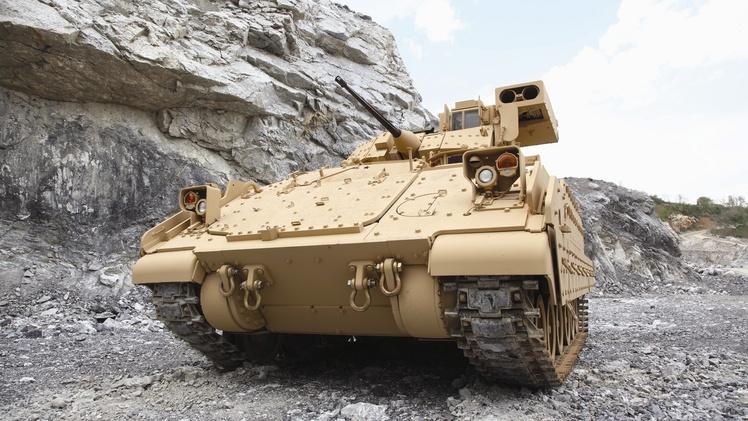 The M2 Bradley Infantry Fighting Vehicle - TankNutDave.com